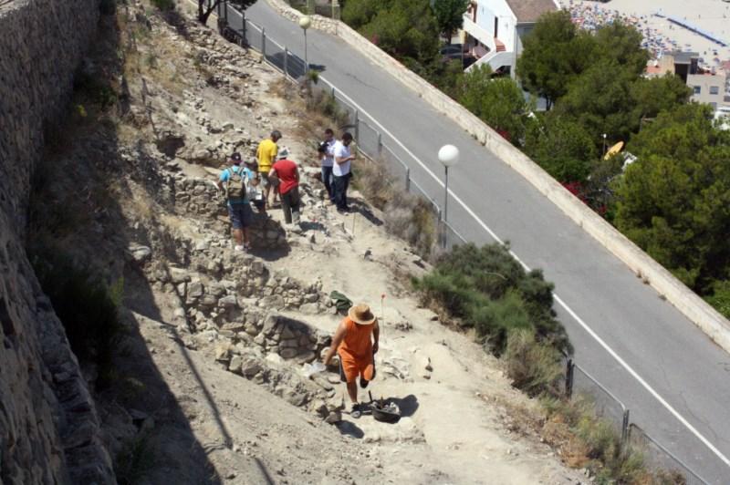 La muralla de El Tossal, entre las más antiguas del sureste de Hispania