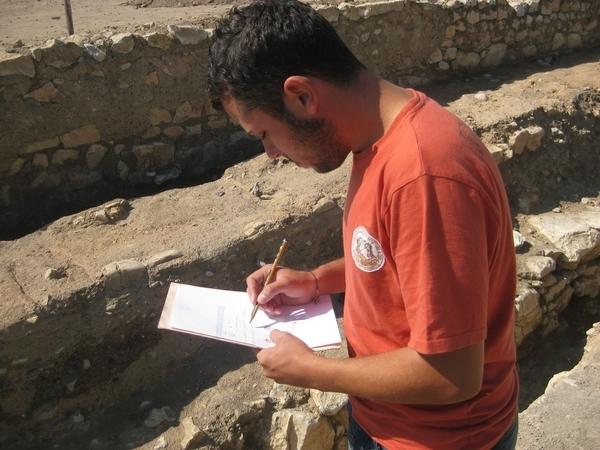 Un grupo de expertos investigará una zona arqueológica desconocida de La Vila denominada 'Frontera-desierto'