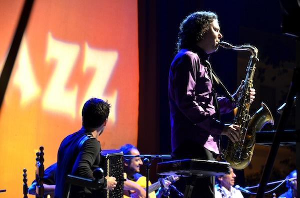 Kiko Berenguer es profeta en su tierra y mantiene el gran nivel del Xàbia Jazz