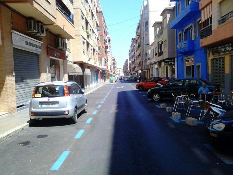 La nueva zona azul en el centro urbano se queda sin coches en su estreno