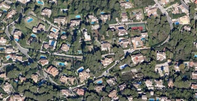 Muere una mujer en la piscina de su casa en la urbanización más exclusiva del término
