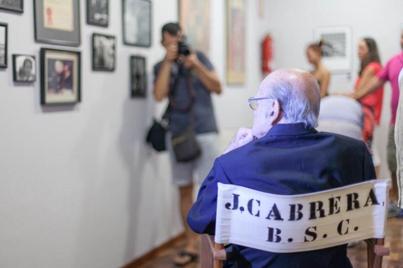 Dénia concede al cineasta John Cabrera su primera Medalla de la Ciudad