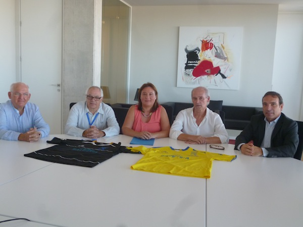 """La Fundació Baleària renueva """"en estos tiempos difíciles"""" su patronazgo al CD Dénia"""