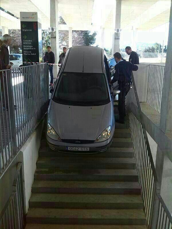 El GPS y sus atajos Accidente-parking-hospital-2