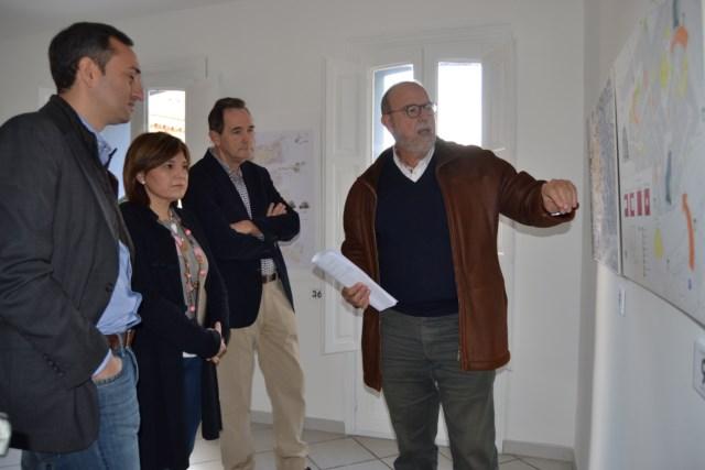 """Los proyectos del casco histórico """"sorprenden"""" a la consellera Bonig"""