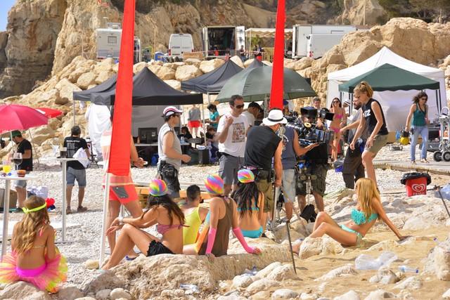 El spot que Vodafone rodó en mayo la playa del Moraig ya está emitiéndose en Italia