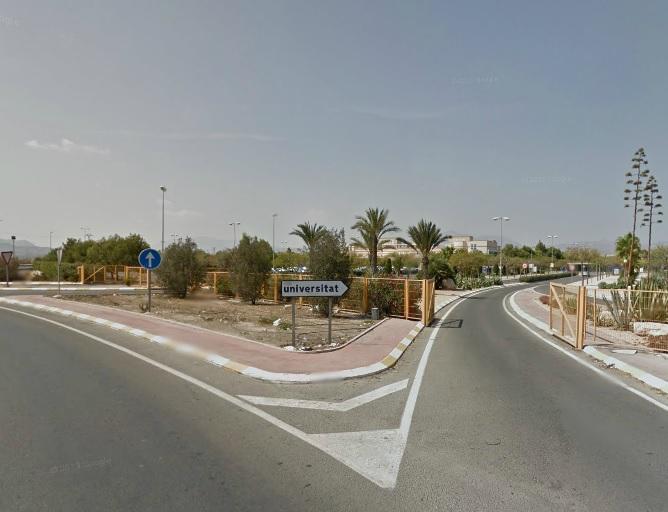 La Generalitat se adelanta a los Reyes y paga a los estudiantes más de 25.000 euros en ayudas pendientes