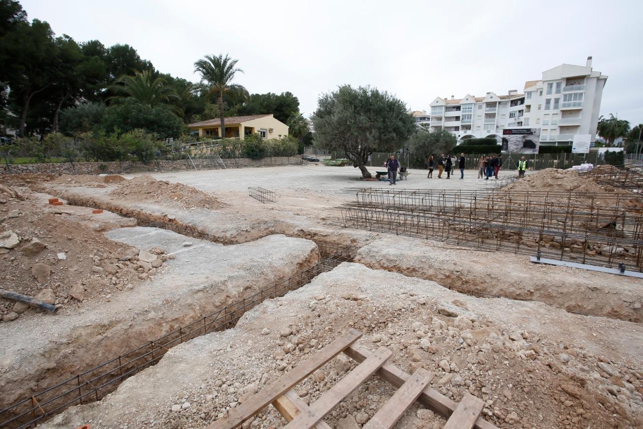 L'Alfàs elimina el parking gratuito junto a la Villa Romana y lo convierte en una zona anexa al museo