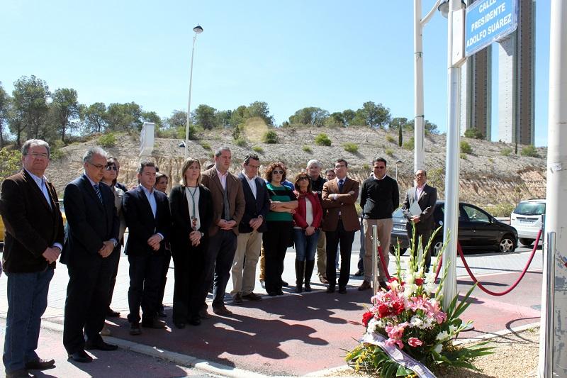 Benidorm se suma a las condolencias por la muerte de Adolfo Suárez