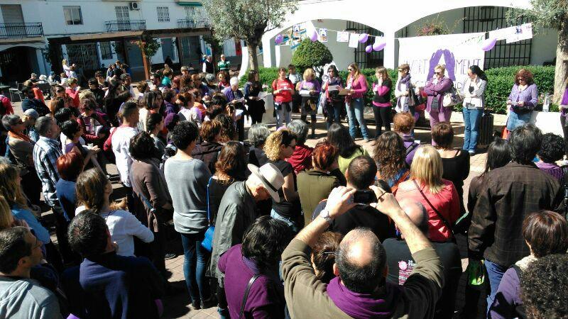 200 personas contra la nueva ley del aborto del PP el Día de la Mujer