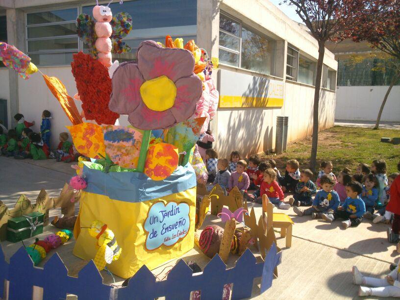 Las Fallas llegan a la escuela infantil de Les Caletes