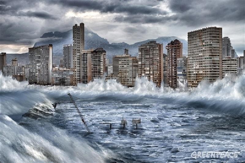 Greenpeace alerta del rápido avance del deshielo del Ártico con esta imagen de Benidorm