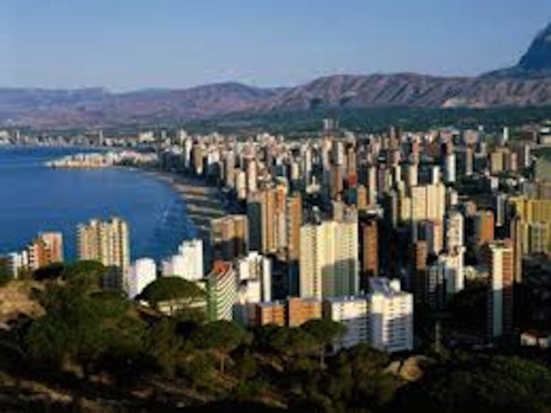 La cuarta ciudad española con más diferencia entre residentes y población vinculada sigue sin ser declarada municipio turístico