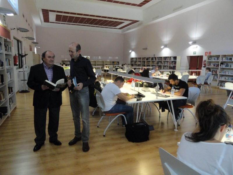 La biblioteca municipal de Caravana amplía sus horarios para los exámenes finales