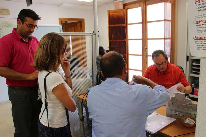 Los vecinos del casco antiguo presentan 350 firmas para que se amplíe el plazo de exposición pública del Plan Especial