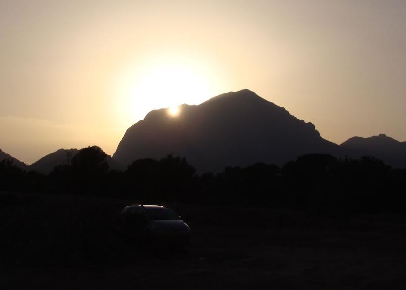 El sol ponent-se per Puigcampana