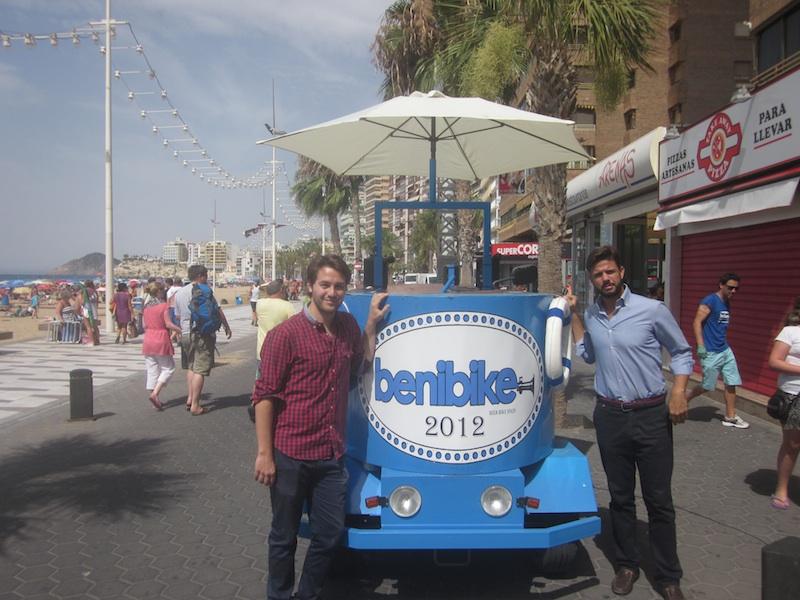 Empresas singulares: Benibike, pedaladas y pintas de cerveza en grupo