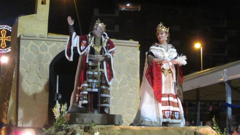 El Rey Cristiano y sus Marinos deslumbran con su boato lleno de tradición y colorido