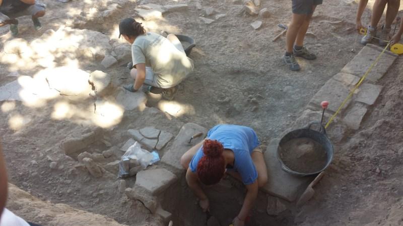Un molino de grano bajo los restos arqueológicos de la Villa Romana de l'Albir
