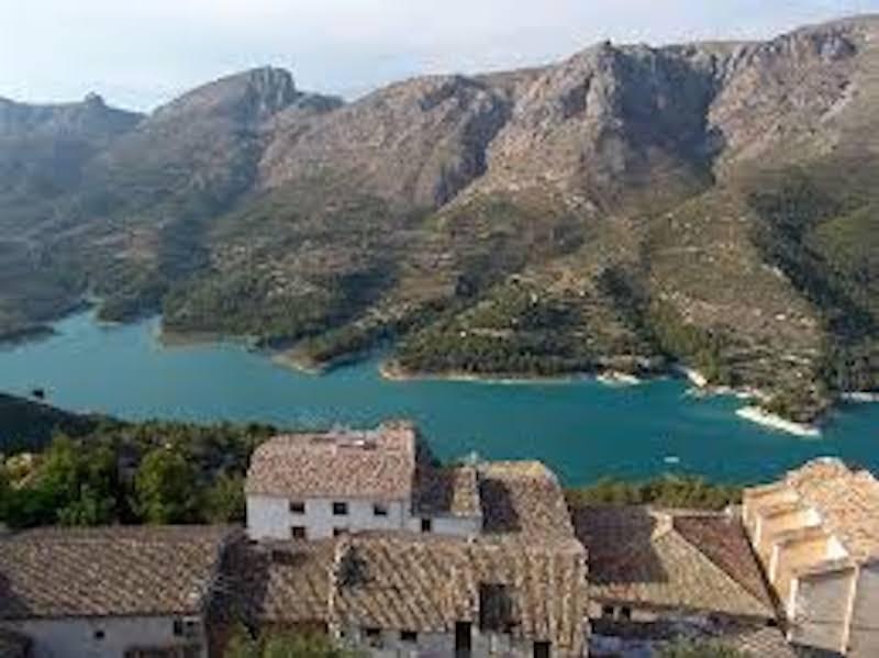 La Marina Baixa pierde población en 2014 por primera vez y retrocede hasta el nivel de 2008