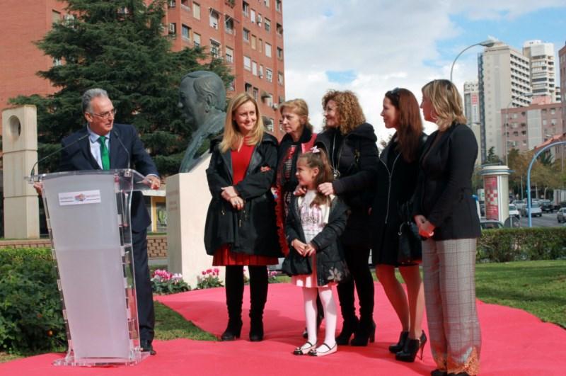 Benidorm reconoce la figura del Dr. Paz, impulsor del primer hospital privado de la ciudad