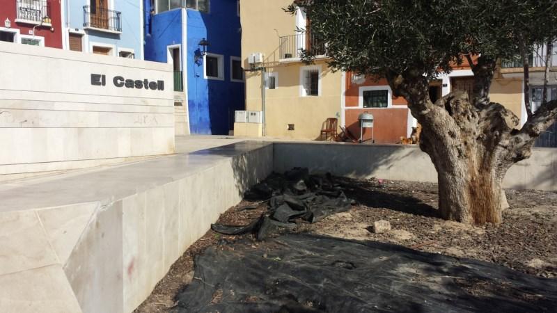 El vandalismo se ensaña con la histórica plaza del Castell