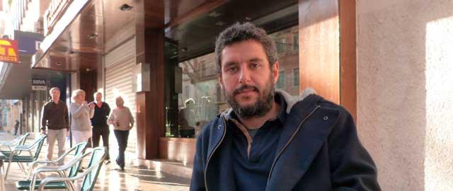 Alfred Pavía, publicista: «En Dénia, las campañas institucionales se hacen de arriba a abajo, sin contar con la gente»