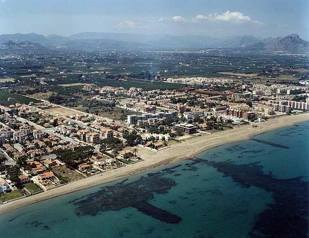 El Plan General llega con sorpresa: Costas decreta la prohibición de construir en 100 metros desde la línea de costa en todas les Marines