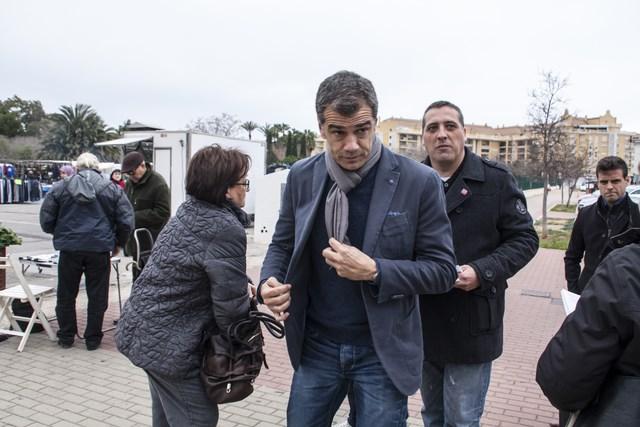 Toni Cantó bendice en una visita a Dénia la candidatura de Francisco Sánchez por UPyD
