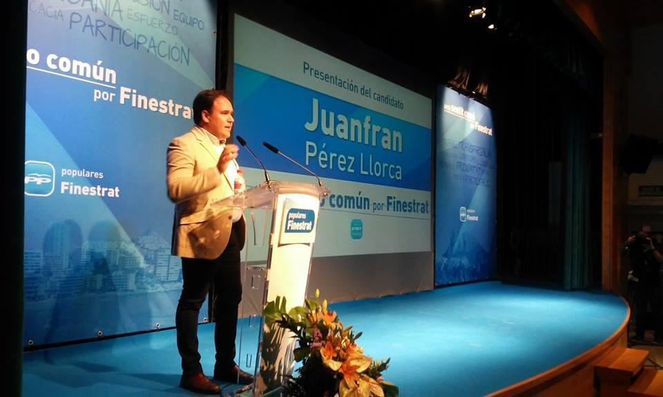 Más de 200 personas arropan a Juan Francisco Pérez en su presentación como candidato del PP