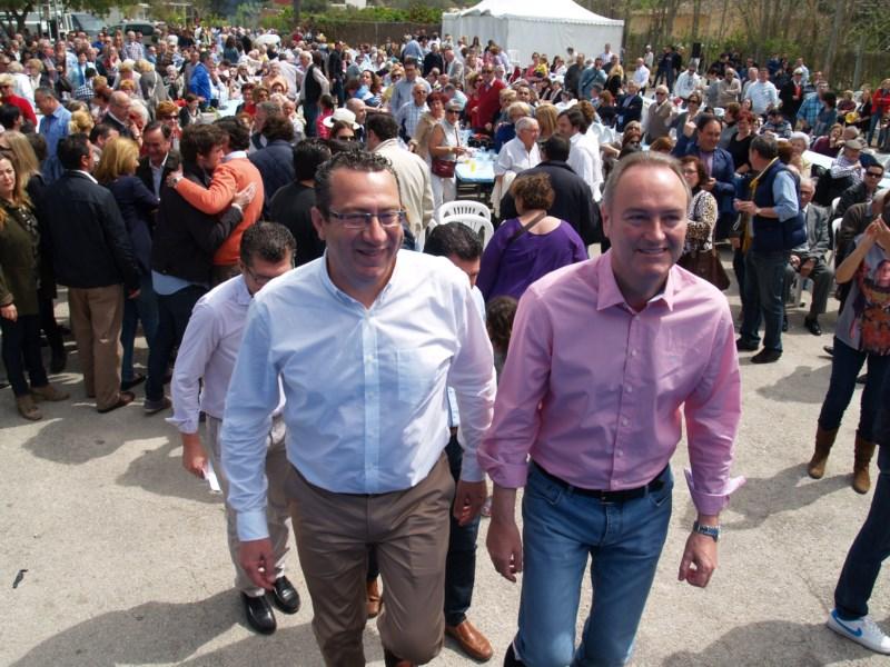 Primera demostración de fuerza del PP de Benidorm en la presentación de la candidatura de Toni Pérez