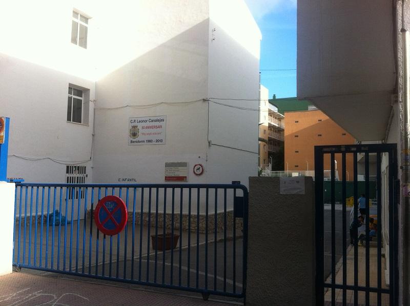 Nuevo asfalto para los patios de nueve colegios de Benidorm