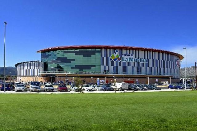 Ondara y Portal de la Marina pactan reducir horarios y aperturas en festivo en el centro comercial