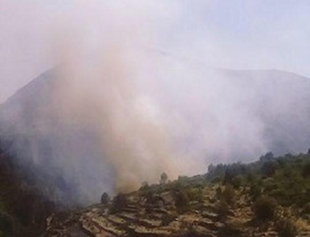 Nuevo susto en la Vall d'Ebo al rebrotar el incendio en el Barranc de l'Infern