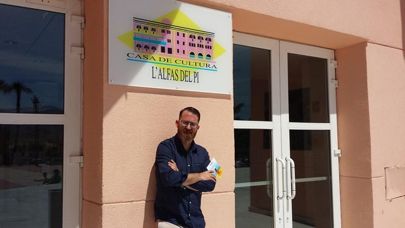 """José Antonio Madrid, director de 'Fidewà': """"En L'Alfàs hay gente con muchas inquietudes artísticas, no sé si es algo genético"""""""