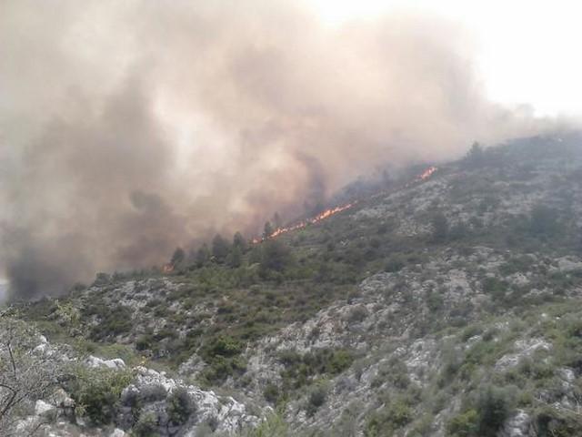 El trágico incendio de la Vall d'Ebo y Pego, en imágenes