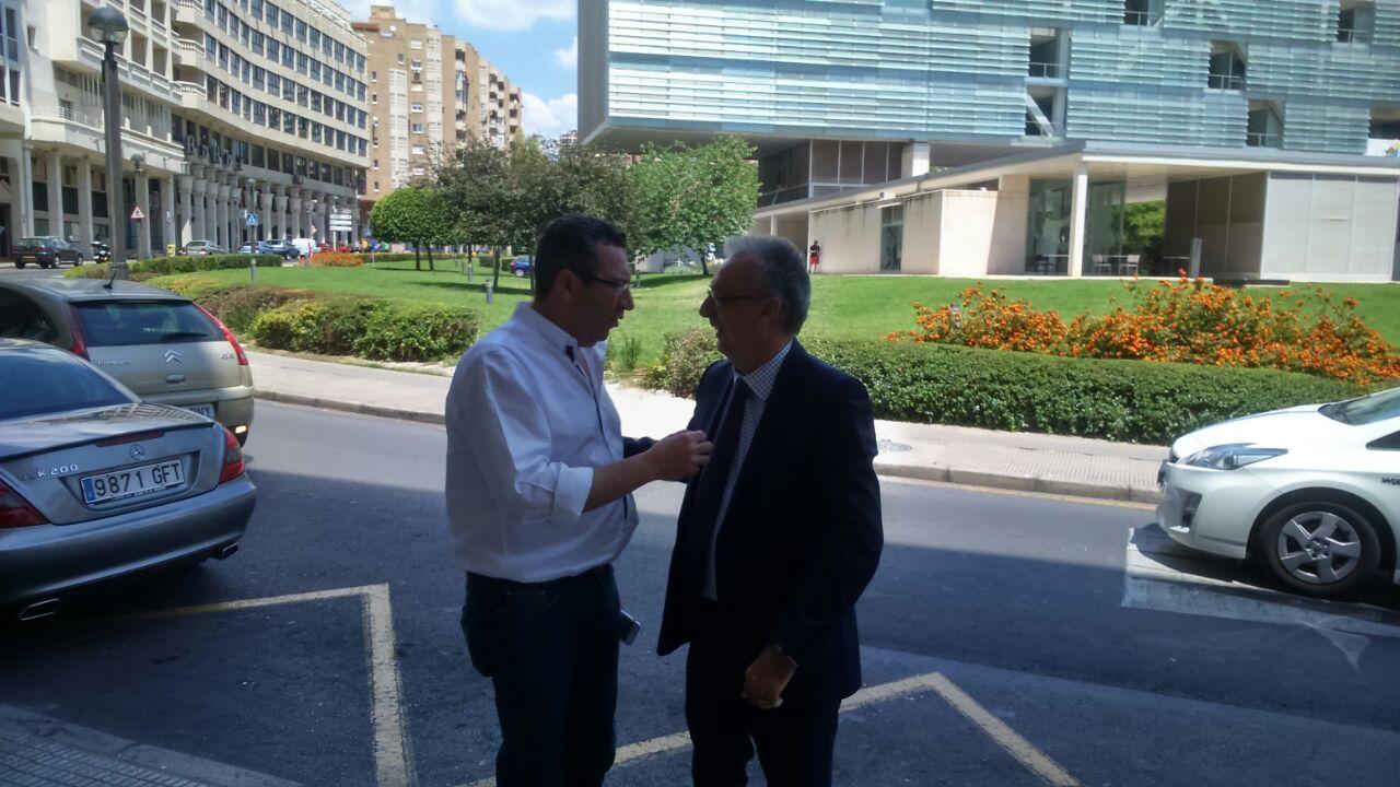El PSOE se reúne este jueves para analizar su 'batacazo' electoral y plantear su futuro inmediato