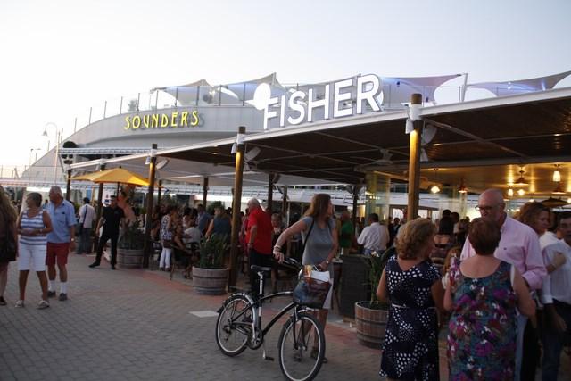 El nuevo centro de ocio, restauración y comercio de El Portet suelta amarras en Dénia