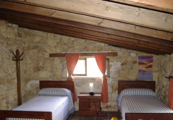 Una de las habitaciones de la casa rural