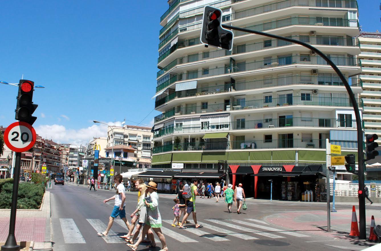 Hasta los semáforos han envejecido en Benidorm