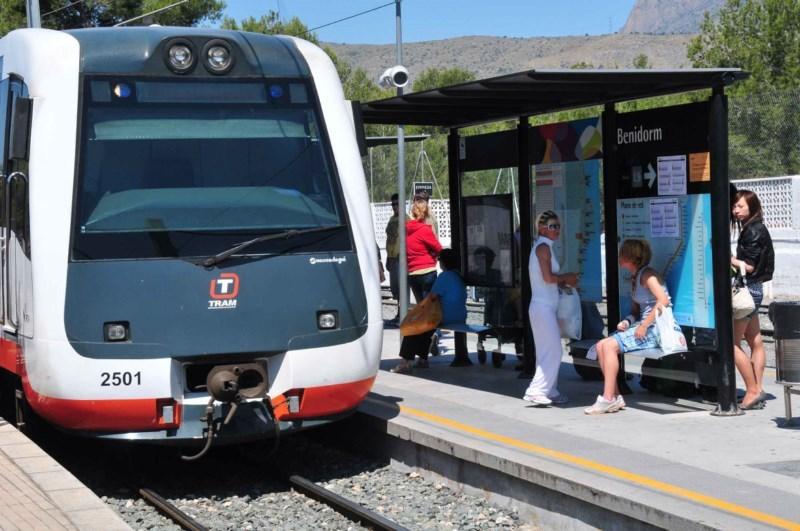 Casi 150.000 pasajeros del AVE han utilizado el TRAM en dos años