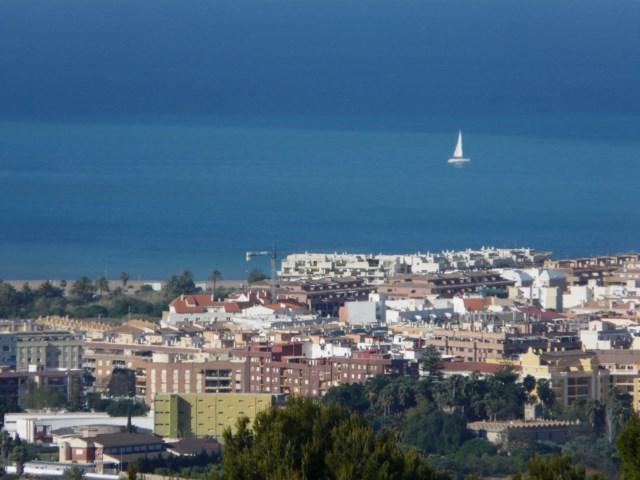 Construcción (de nuevo), hostelería y precariedad, el futuro económico de la Marina Alta según cuatro estudios
