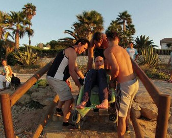 Les Rotes sigue sin acceso al baño para discapacitados 16 meses después de que Costas retirara la rampa de la Punta Negra