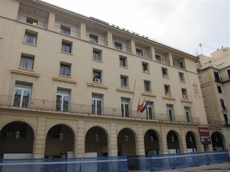 El fiscal pide 6 años de cárcel para dos mediadores de seguros por estafar en La Vila a más de 70 personas