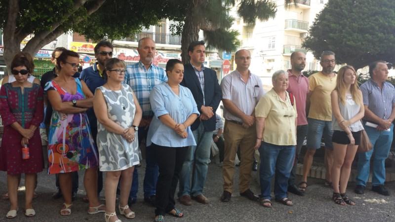 La Vila Joiosa decreta tres días de luto por las cuatro muertes en una casa de L'Almiserà mientras sigue la investigación sobre lo ocurrido
