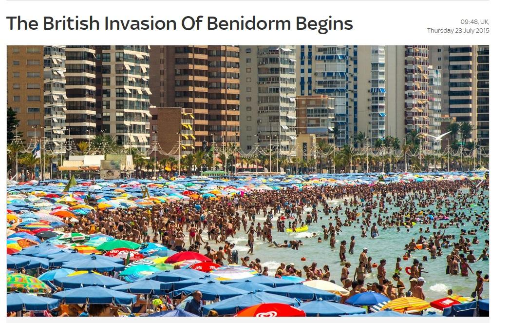 … y Benidorm arrasa en los medios británicos con sus playas abarrotadas