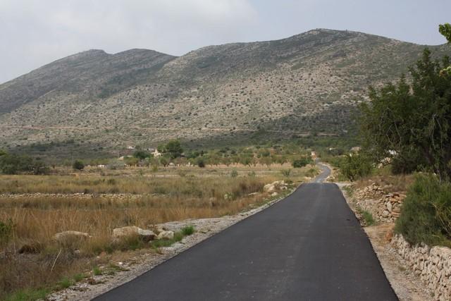 Benissa reasfalta 18.500 metros cuadrados de viales en las zonas rural y costera