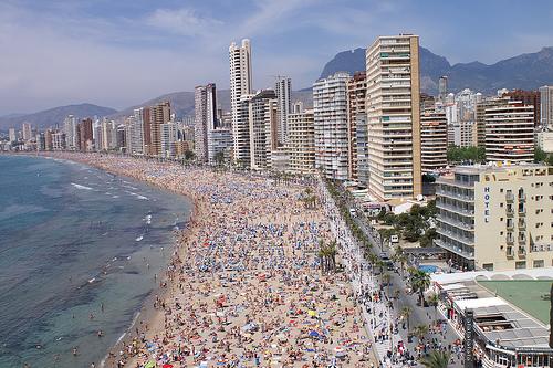 Benidorm reclamará de nuevo que se mantenga el deslinde de la costa de 1964 y la titularidad de tres calles