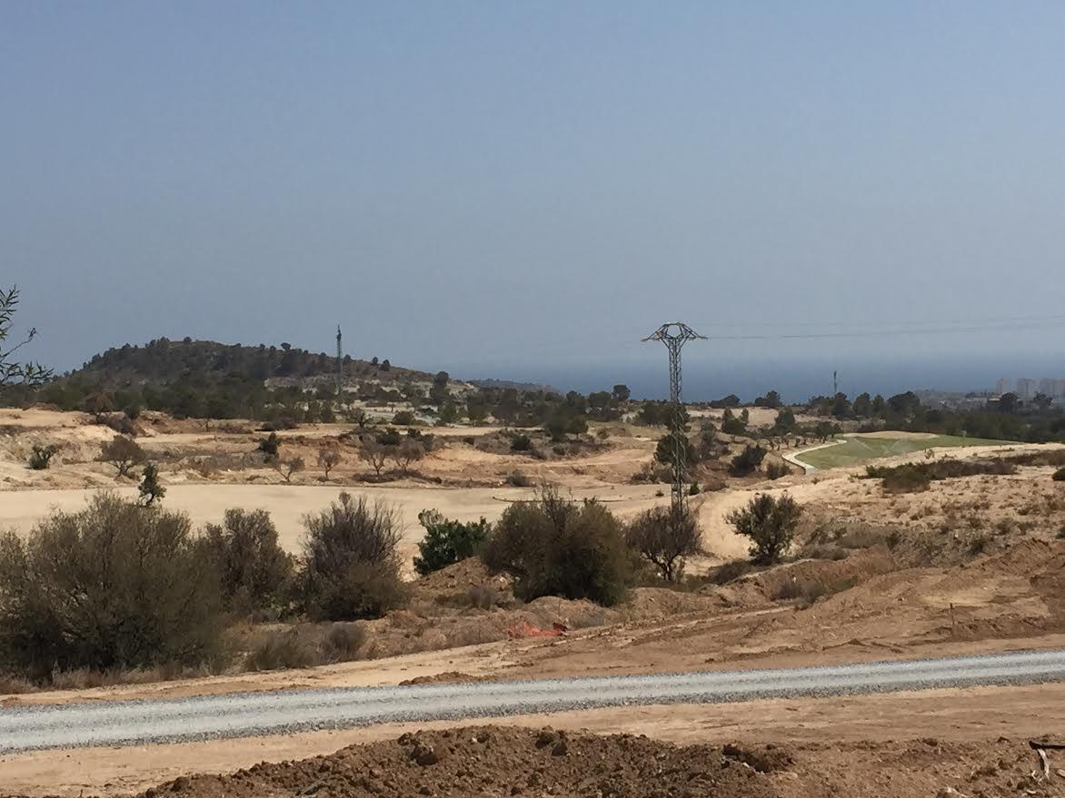 El misterio del campo de golf en construcción en L'Almisserà