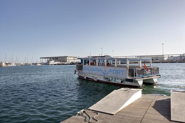 'La Panseta' transporta más de 155.000 pasajeros en sus dos primeros años de actividad en el puerto de Dénia